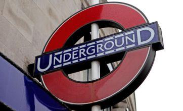 Tube staff 'turn their backs' on RMT union