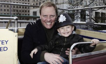 Coronation Street's Antony Cotton slams David Cameron's gay kiss ban