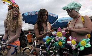 Naked bike ride hits America's cycling capital – and gets the mayor's support