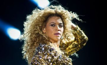 Glastonbury Festival 2011: Beyoncé reigns as Queen Bee with 'dream' gig