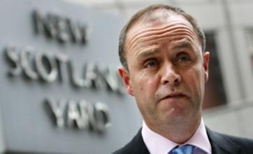 John Yates apologises for NOTW hacking investigation decision