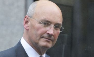 Sir Paul Stephenson resigns as phone hacking scandal claims more scalps