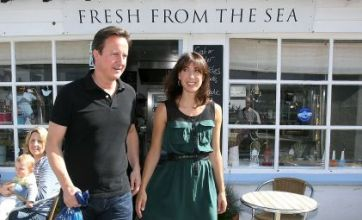 David Cameron cancels holiday as Libya conflict 'nears end'