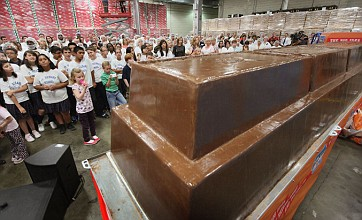 World record five-tonne chocolate bar sends chocoholics into meltdown