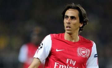 Arsene Wenger drops Yossi Benayoun permanent Arsenal deal hint