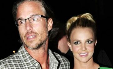 Britney Spears: I am not engaged to Jason Trawick