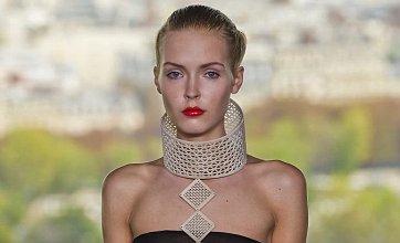 Eiffel Tower show kicks off Paris Fashion Week