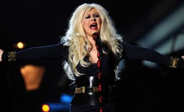 Christina Aguilera spends £6,000 to get the train to Michael Jackson show