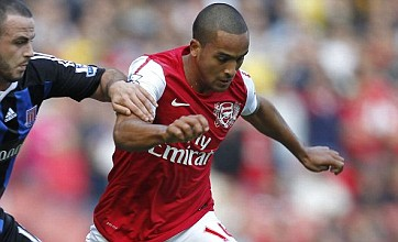 Theo Walcott ready to snub Juventus move and sign new Arsenal contract