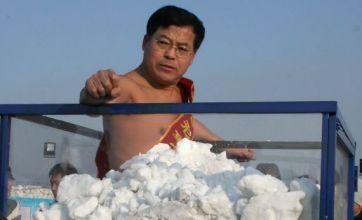Man stays inside snow filled tank for 33mins during cold endurance stunt