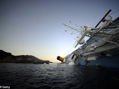 Pictures: Costa Concordia ship runs aground