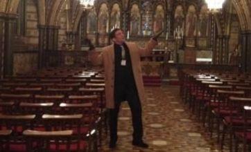 Alex Reid tweets possible wedding venues to Chantelle Houghton