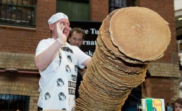 Australian chef batters world record for tallest pancake stack