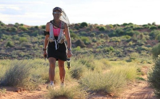 Runner Jane Trumper crosses the Simpson Desert