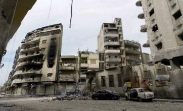 Syria: Army resumes Homs shelling ahead of United Nations monitors' arrival