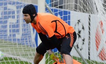 Petr Cech hoping Chelsea can end nightmare season with dream final