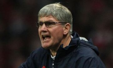 Steve Bould named new Arsenal no.2 as Gunners pay tribute to retiring Pat Rice