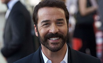 Jeremy Piven shocks audience at Glamour Awards with gay jokes