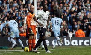 Ledley King is considering retiring because of his injury problems (Allstar)