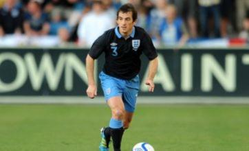 Manchester United 'to include two players in Leighton Baines offer'