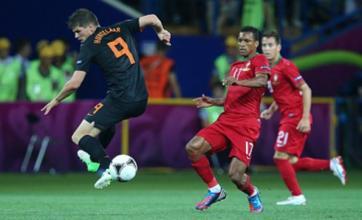 Liverpool 'eye Klaas-Jan Huntelaar transfer to replace Luis Suarez'