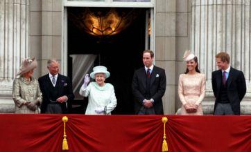 Spectacular flypast ends Queen's Diamond Jubilee weekend
