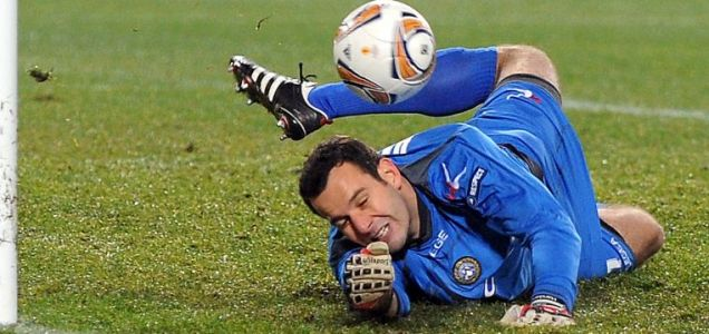 Udinese goalkeeper Samir Handanovic, Tottenham.