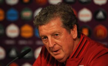 Roy Hodgson defends Wayne Rooney over 'cheap' Fabio Capello criticism