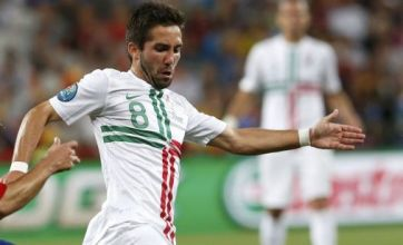 No offers from Manchester United or Tottenham for Moutinho, say Porto
