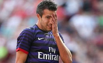 Robin van Persie cheered by Arsenal fans – video proof