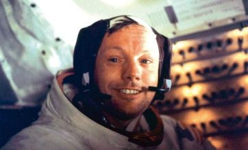 Tributes to Neil Armstrong led by Barack Obama and fellow Apollo 11 crew
