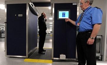 ¿Flight-ban woman gets look at naked scanner