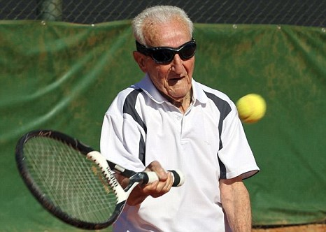 Artin Elmayan, 95, world's oldest ranked professional tennis playe