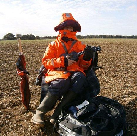 human scarecrow, Jamie Fox