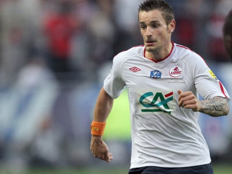 Newcastle snap up Lille defender Mathieu Debuchy