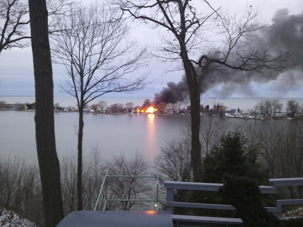 A-fire-burns-on-Lake-Road-in-Webster-AY_100340131.jpg