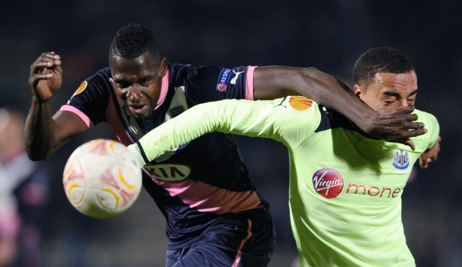 Newcastle experience first Europa League defeat to qualify second behind Bordeaux