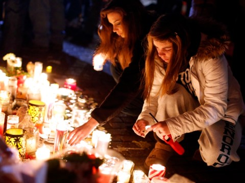 Gun control debate urged as US mourns victims of Sandy Hook massacre