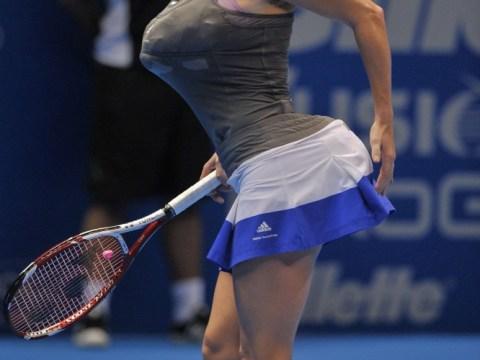 Caroline Wozniacki mimics Serena Williams' bum and boobs on court