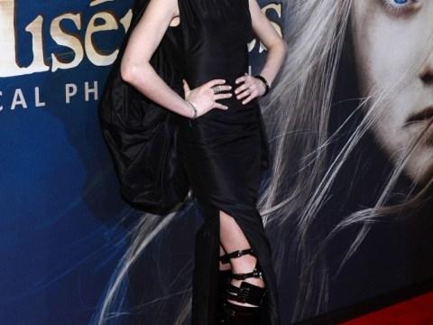Anne Hathaway on Les Mis wardrobe malfunction: Next time I'll wear a blanket!