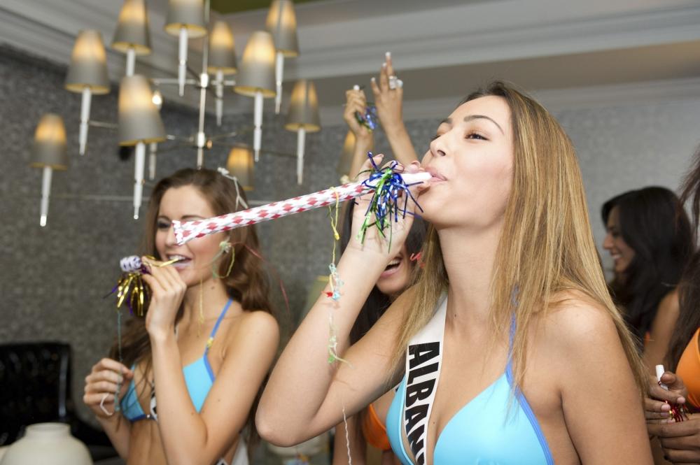 Miss Universe 2012 swimsuit rehearsals | Metro UK