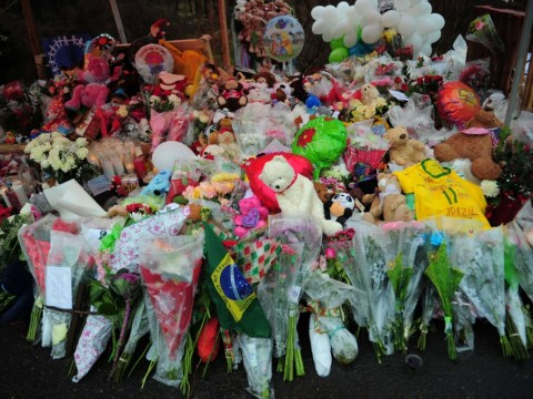 First funerals held for Newtown school massacre victims