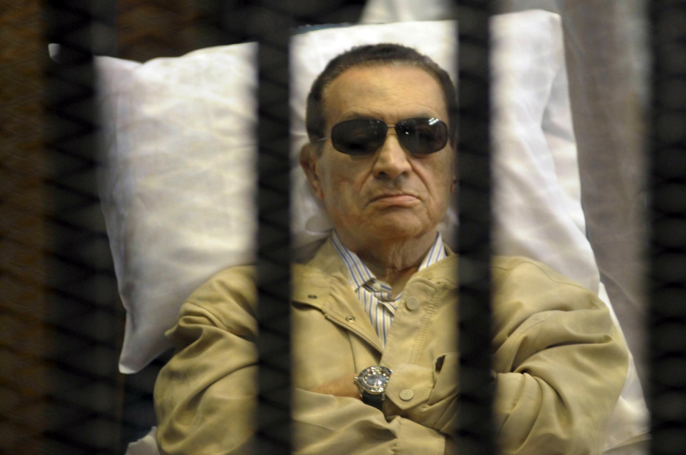 Egypt's former president Hosni Mubarak granted a retrial