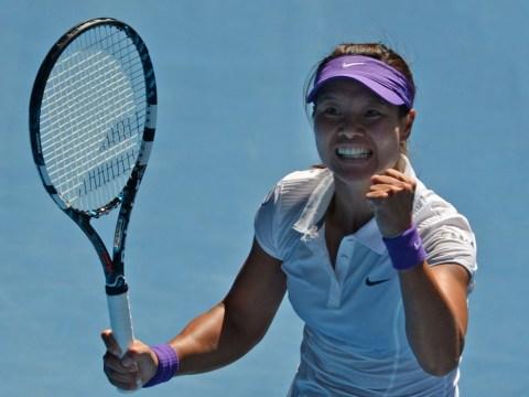 Australian Open: Li Na defeats Maria Sharapova to set up final showdown with Victoria Azarenka