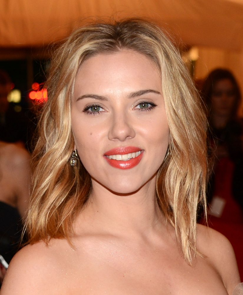 Scarlett Johansson and Jessica Chastain up for Hilary Clinton biopic