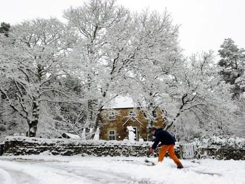 Snow returns threatening more travel disruption