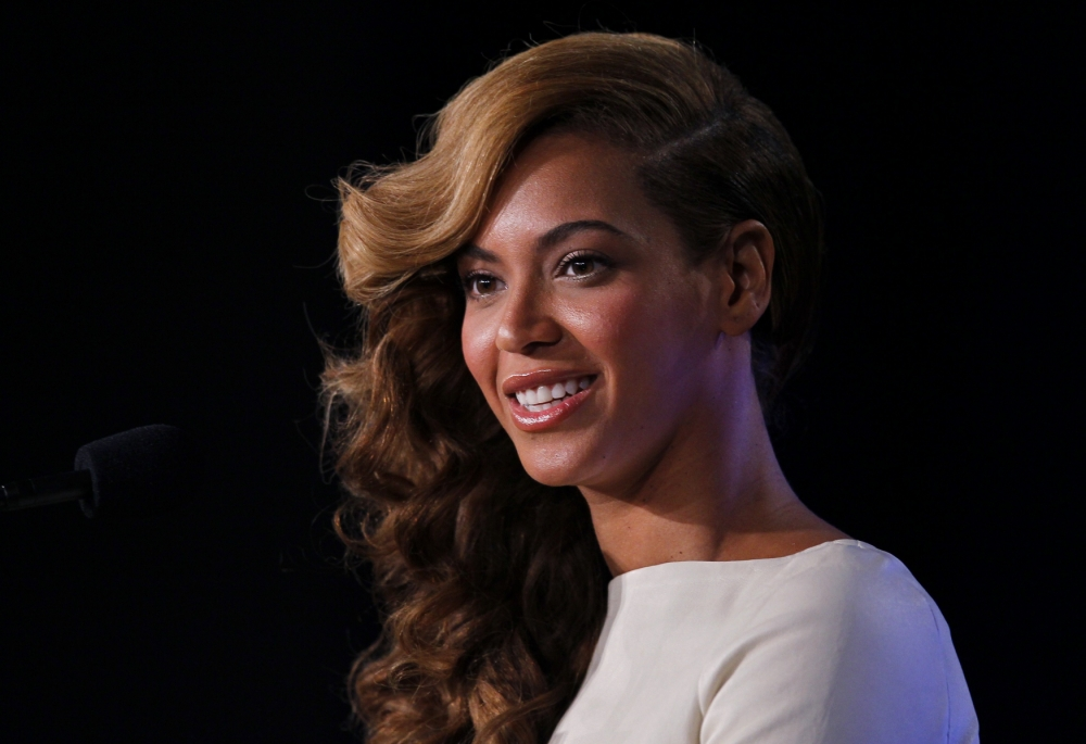 Beyoncé makes love to Jay-Z to calm Super Bowl nerves