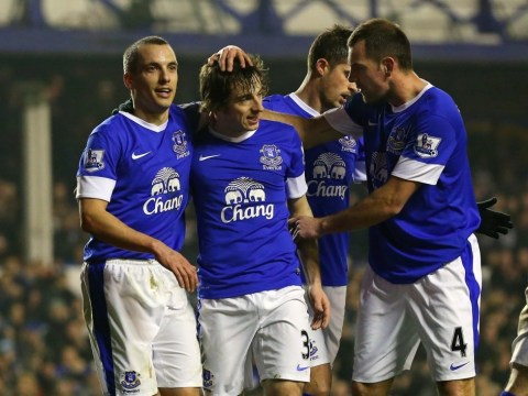 Everton clinically dispatch Oldham to march on in FA Cup