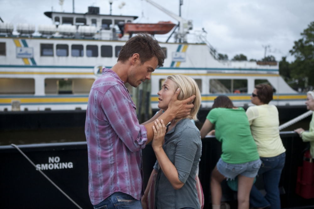 Writer Nicholas Sparks's latest film, Safe Haven, is more endurance than entertainment
