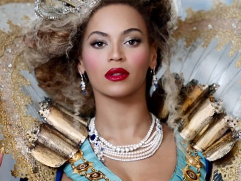 Work as Beyonce's stylist for the day on Mrs Carter Show tour